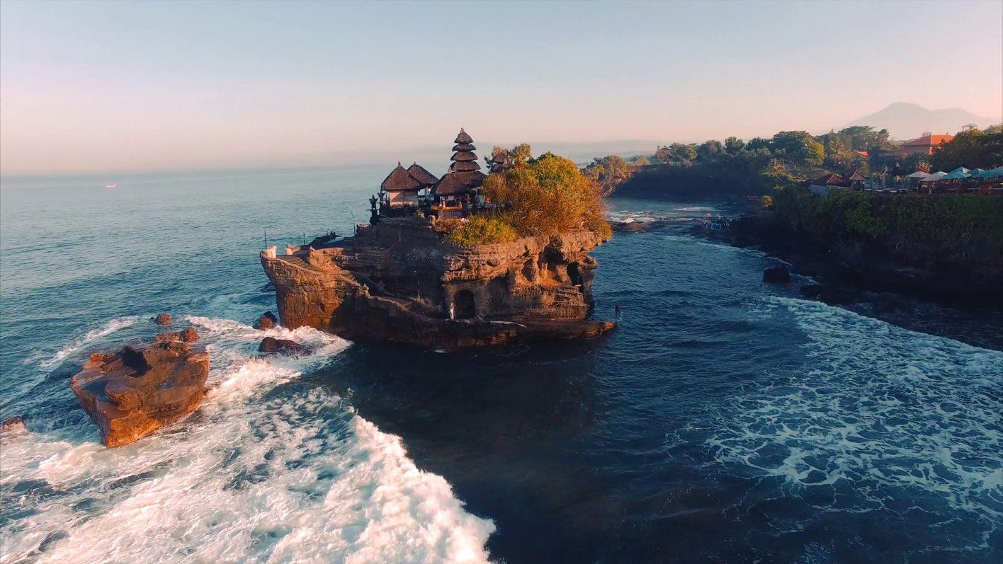 Фото храма на Бали