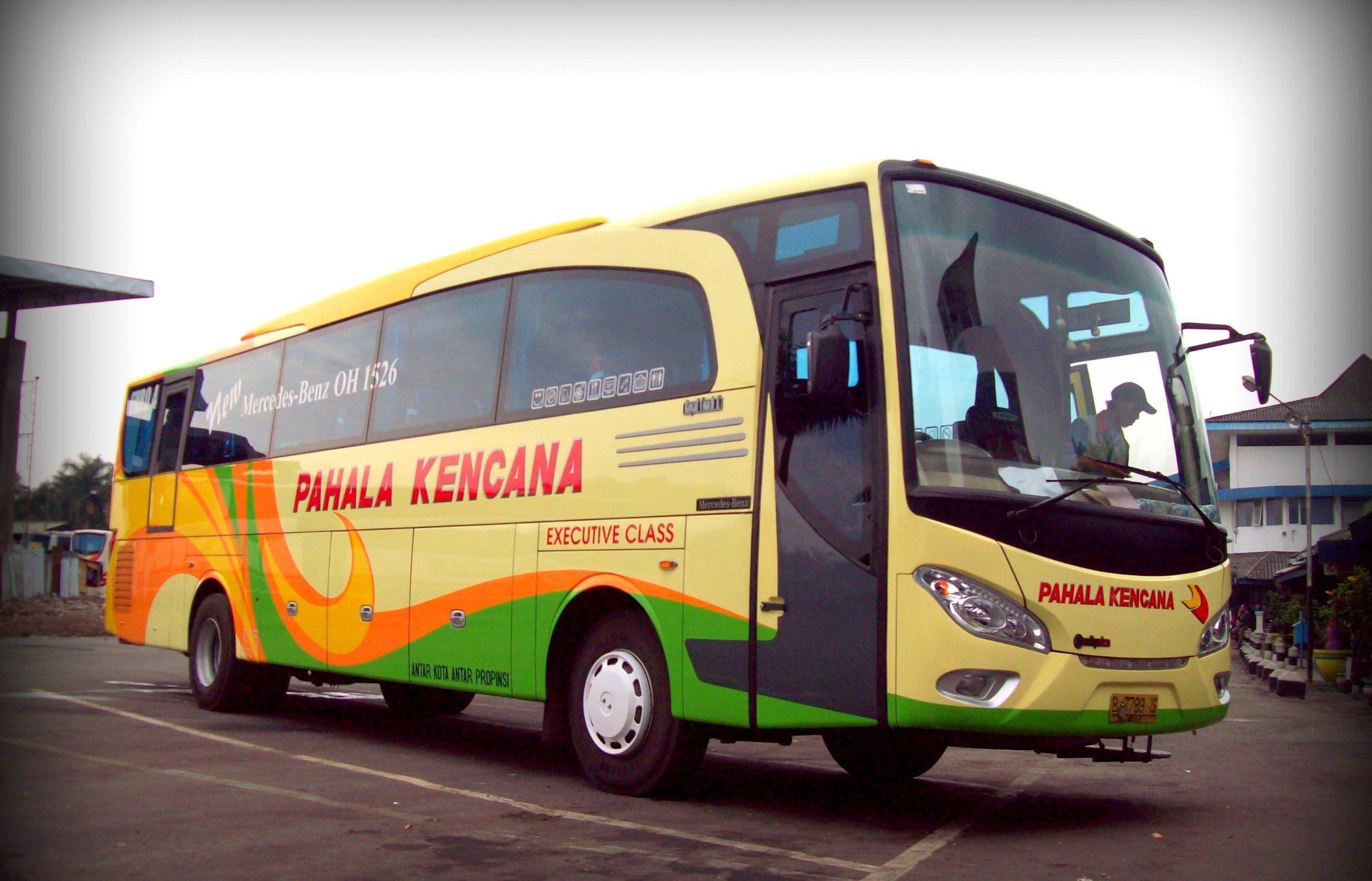 Автобус компании Palaha Kancana
