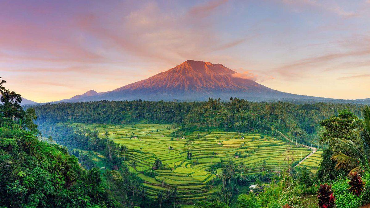 Фотография вулкана Агунг