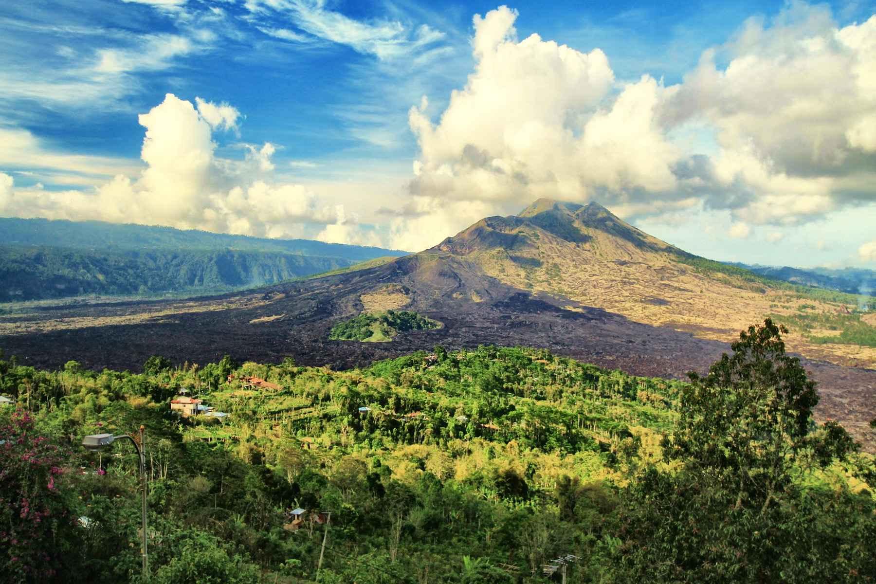 Фото вулкана Батур на Бали