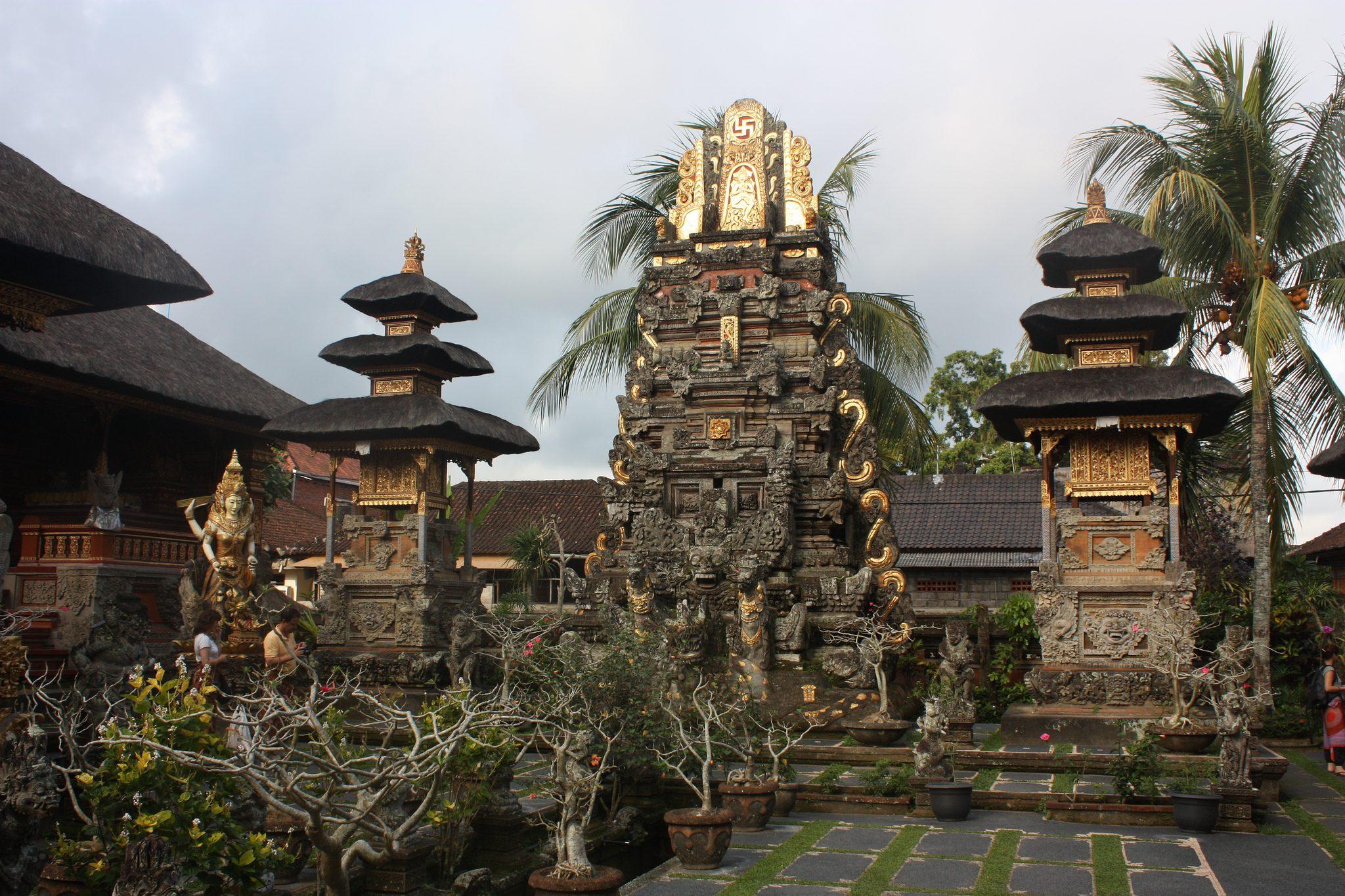 Фото храма Пенатаран Саси