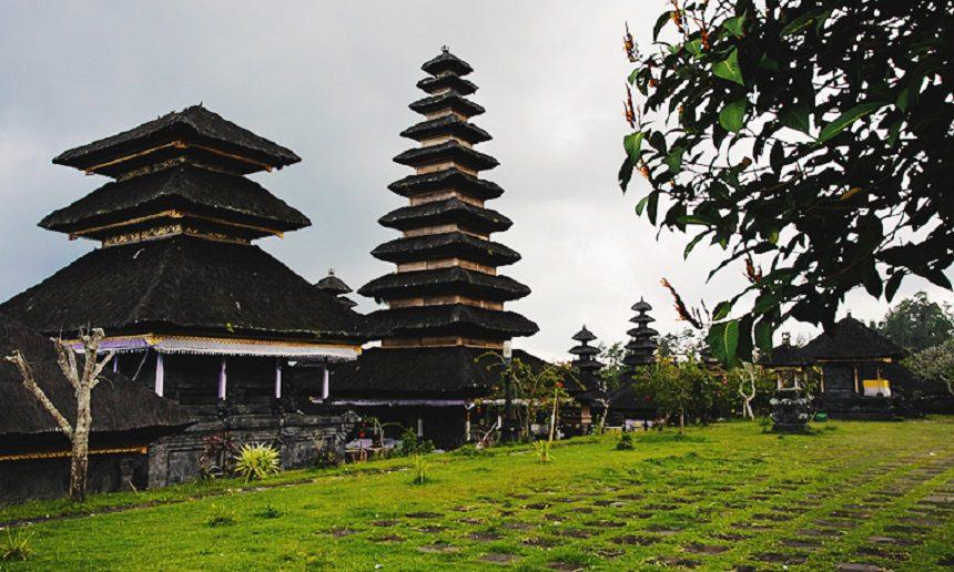 ТОП-25 достопримечательностей Бали Пура Бесаких
