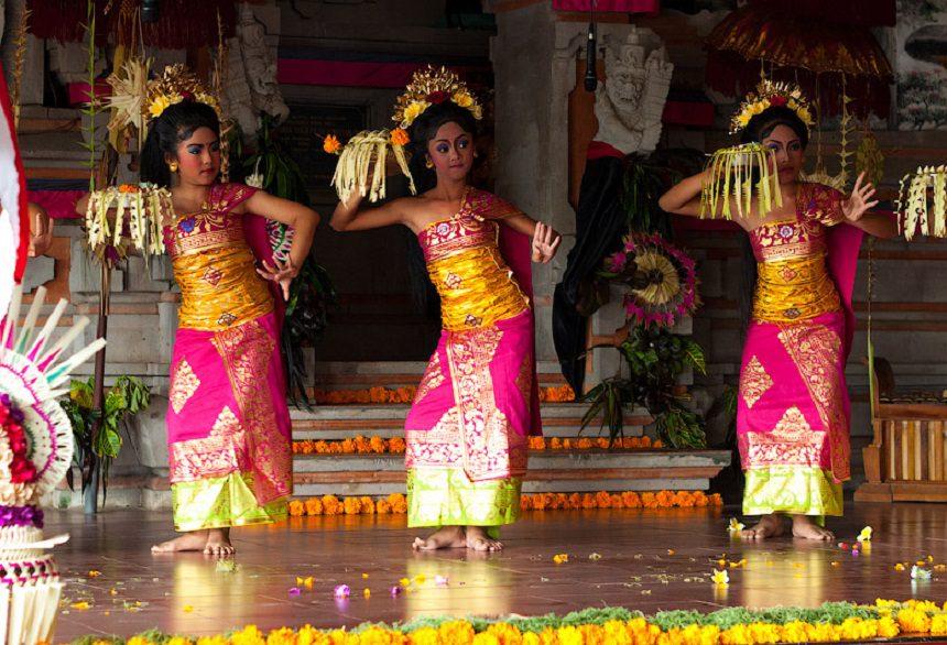 Танец Леконг Бали