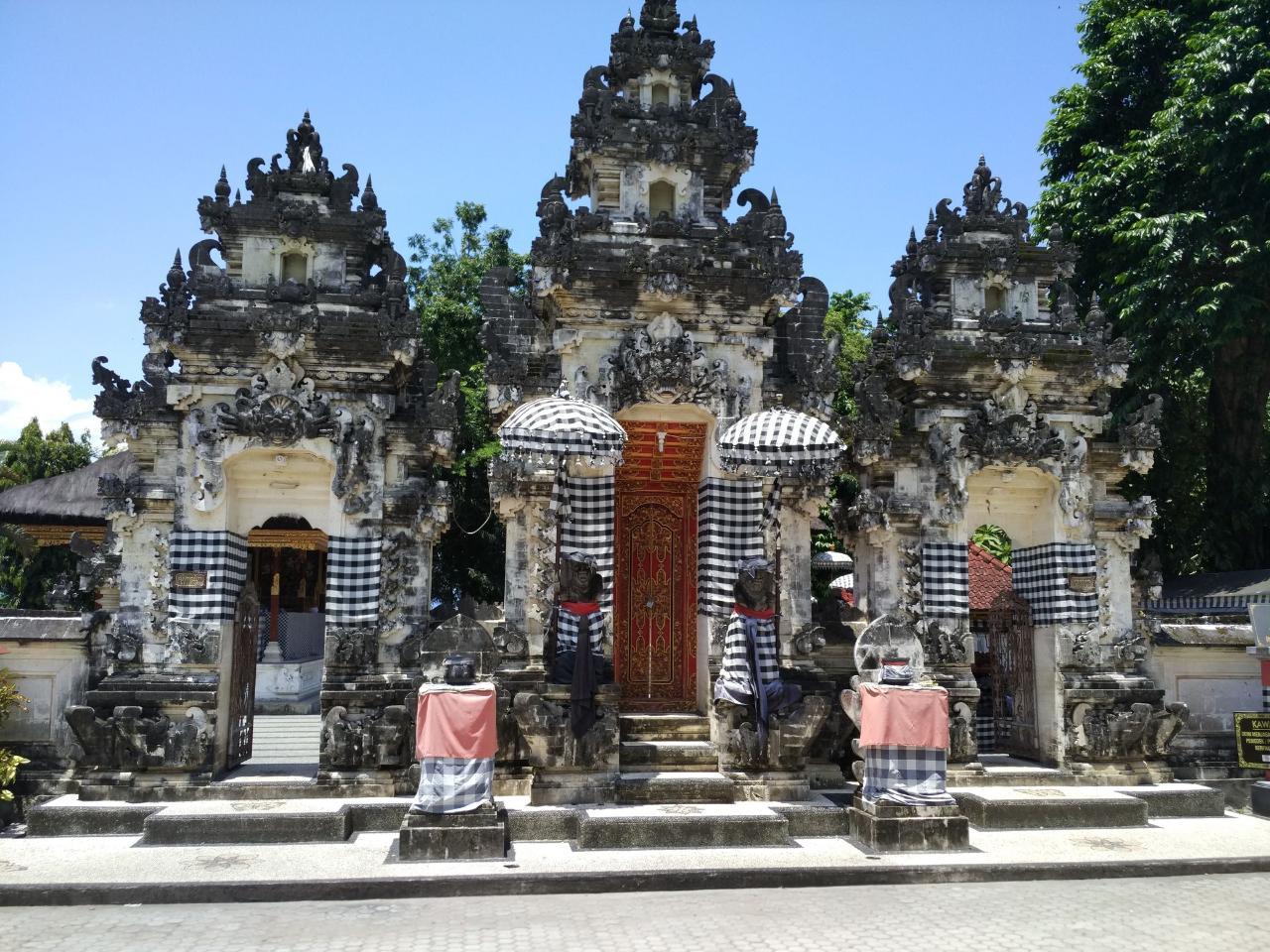 Фото храма Пура Пенатаран