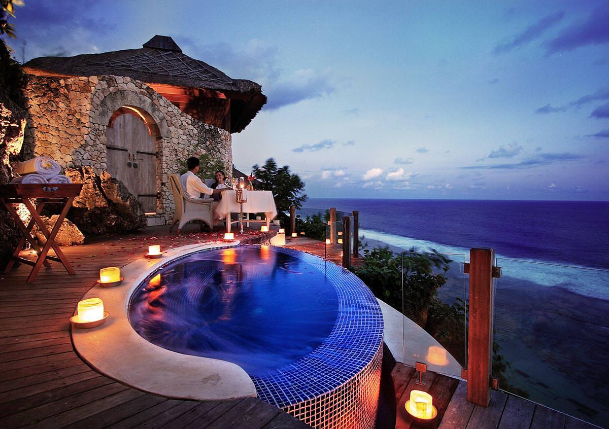 Фото бассейна на Бали