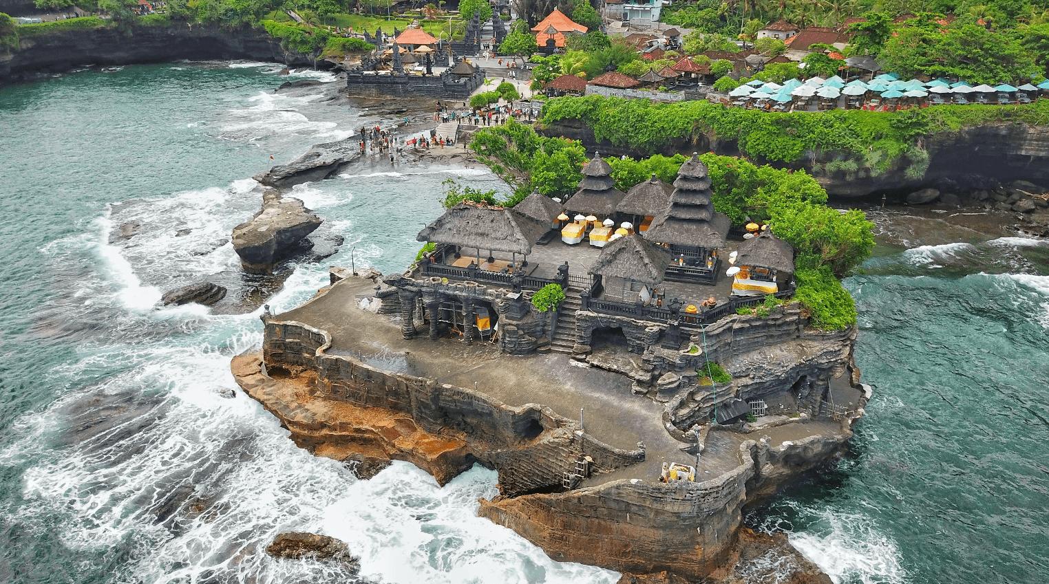 Фото храма сверху