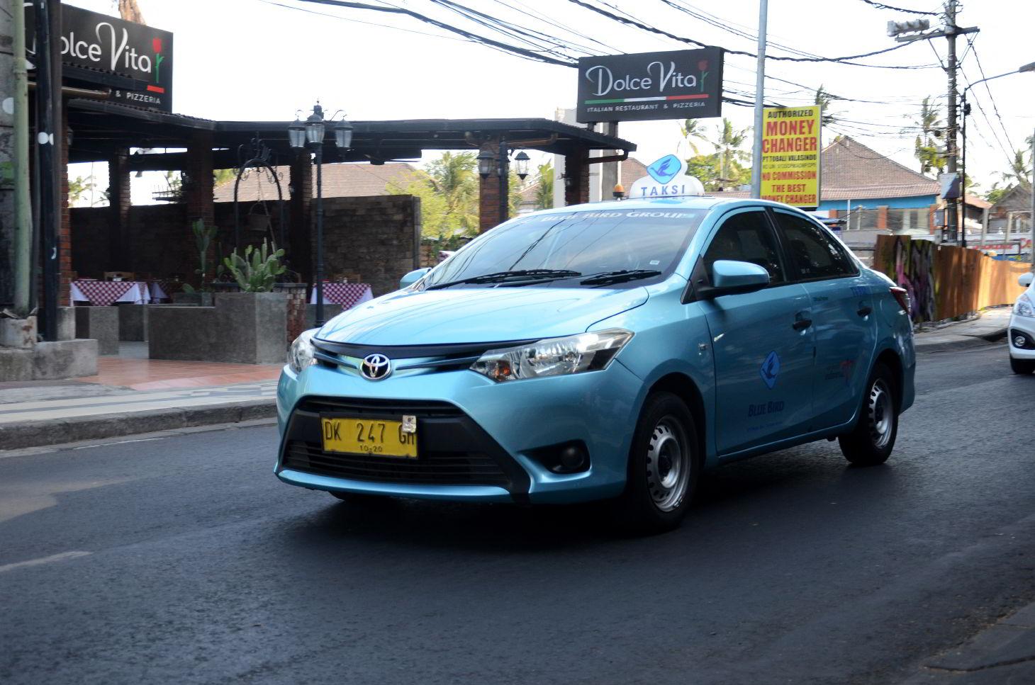Такси Blu Bird
