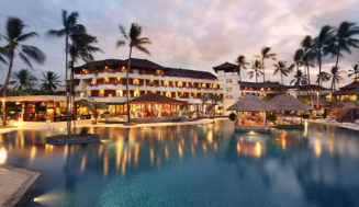 Nusa Dua Beach Hotel Spa 5* на Бали
