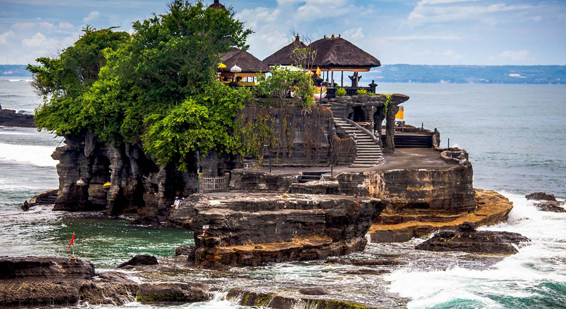 Танах Лот на Бали