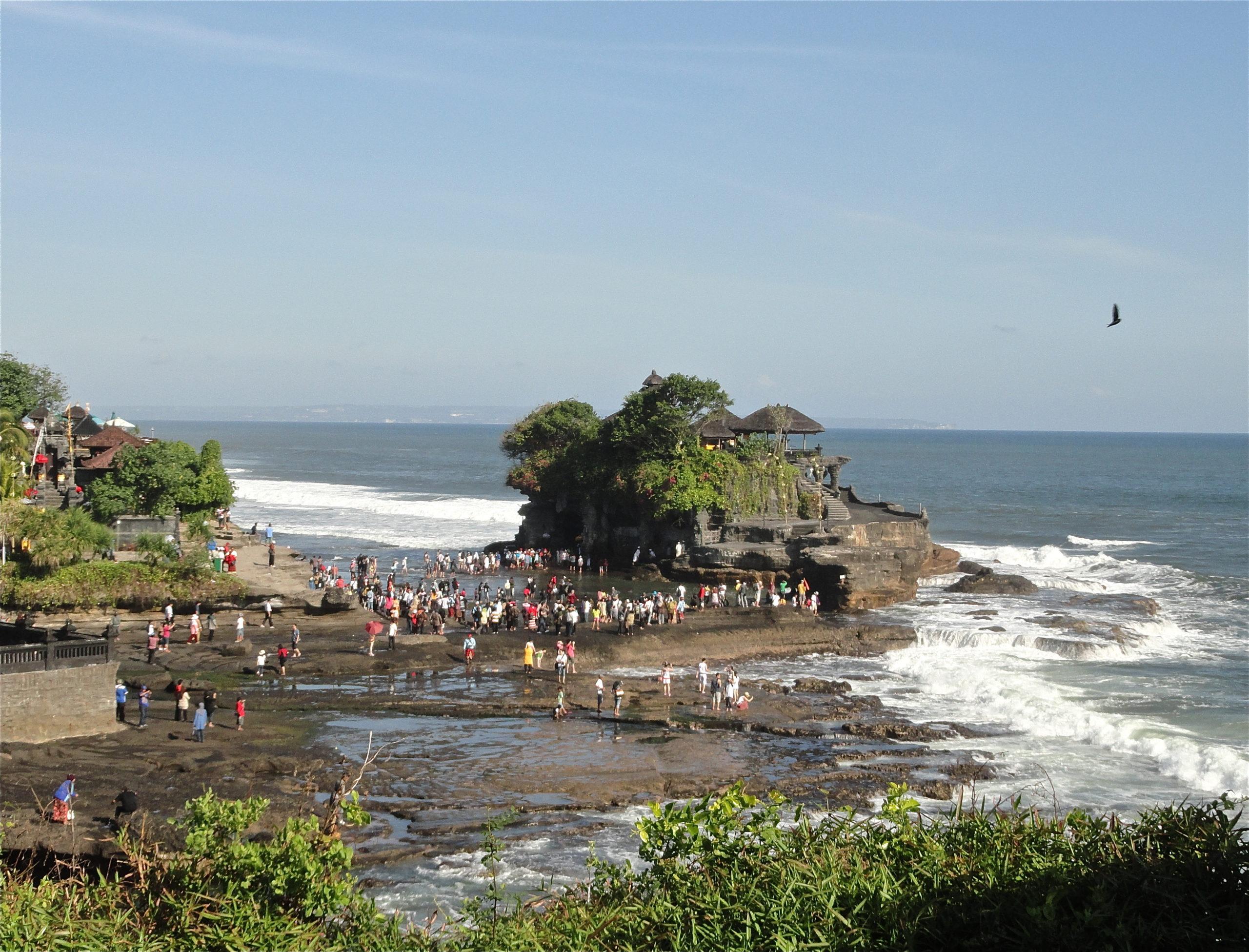 Основные причины приливов на Бали