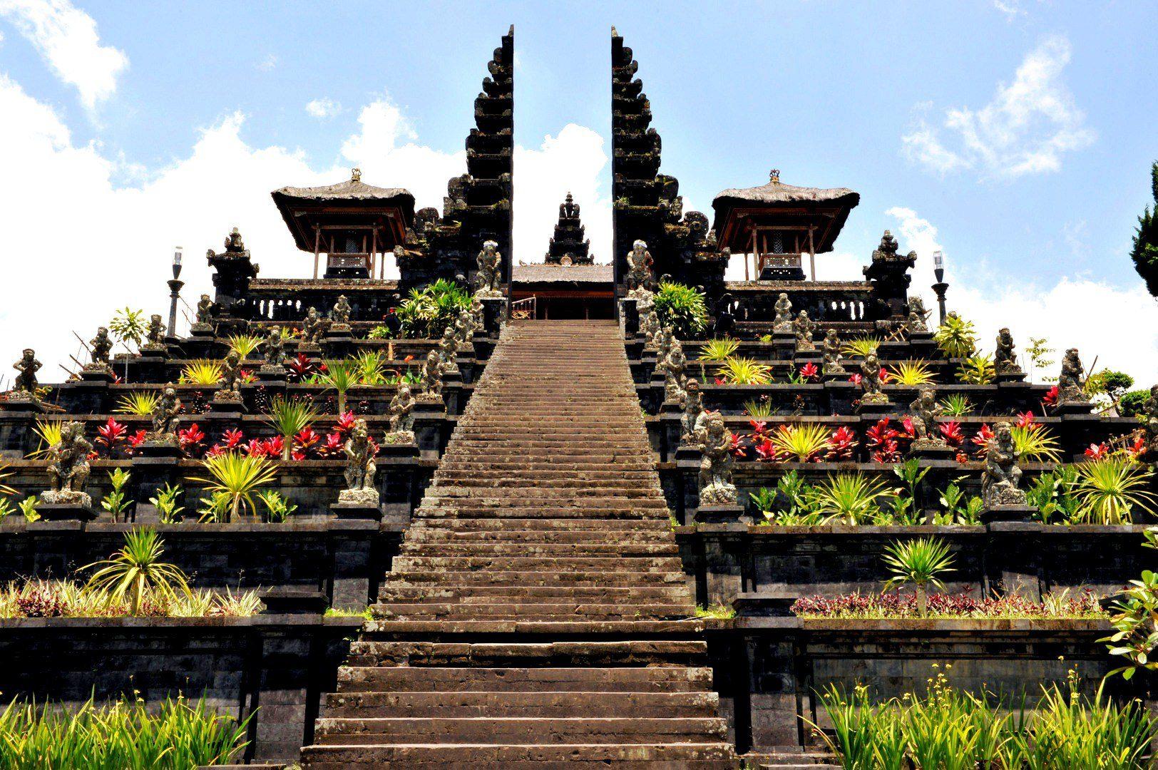 Самые известные храмы на Бали