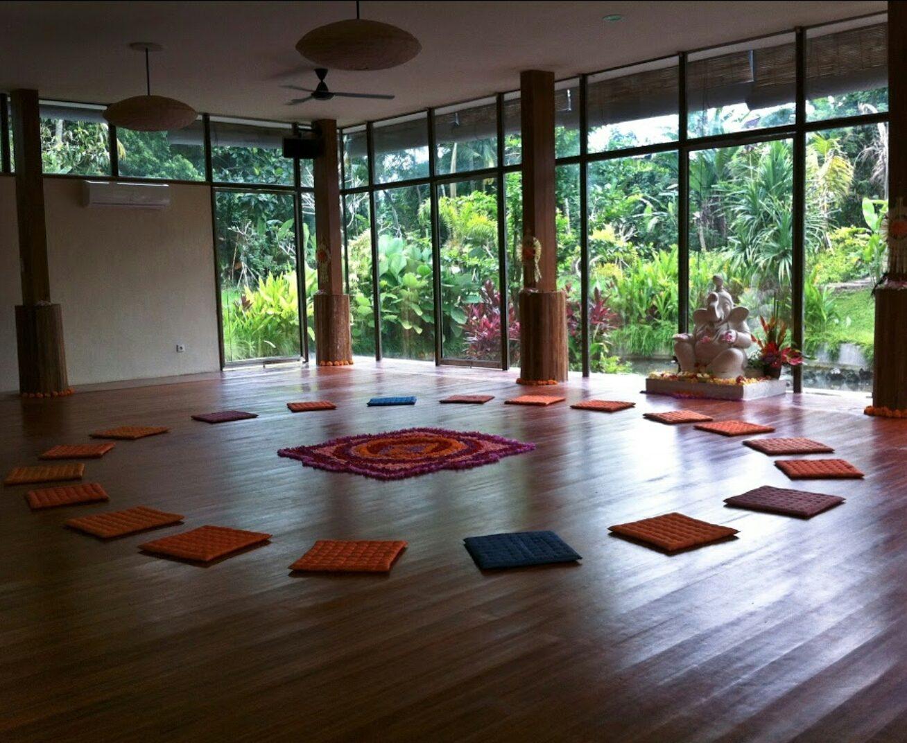 White Lotus Yoga & Meditation Centre в Убуде