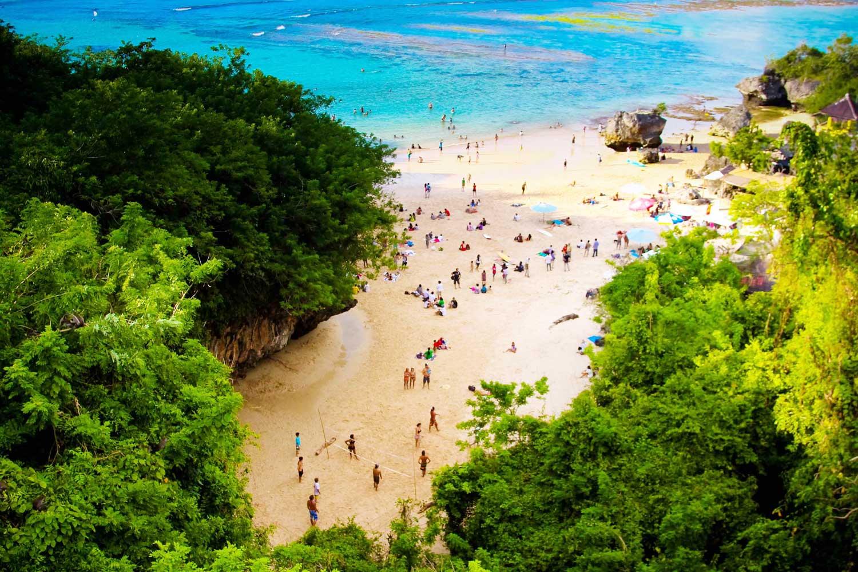 На фото пляж Паданг Паданг