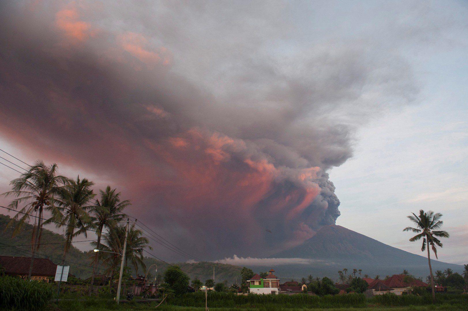 Вулканическая активность на Бали