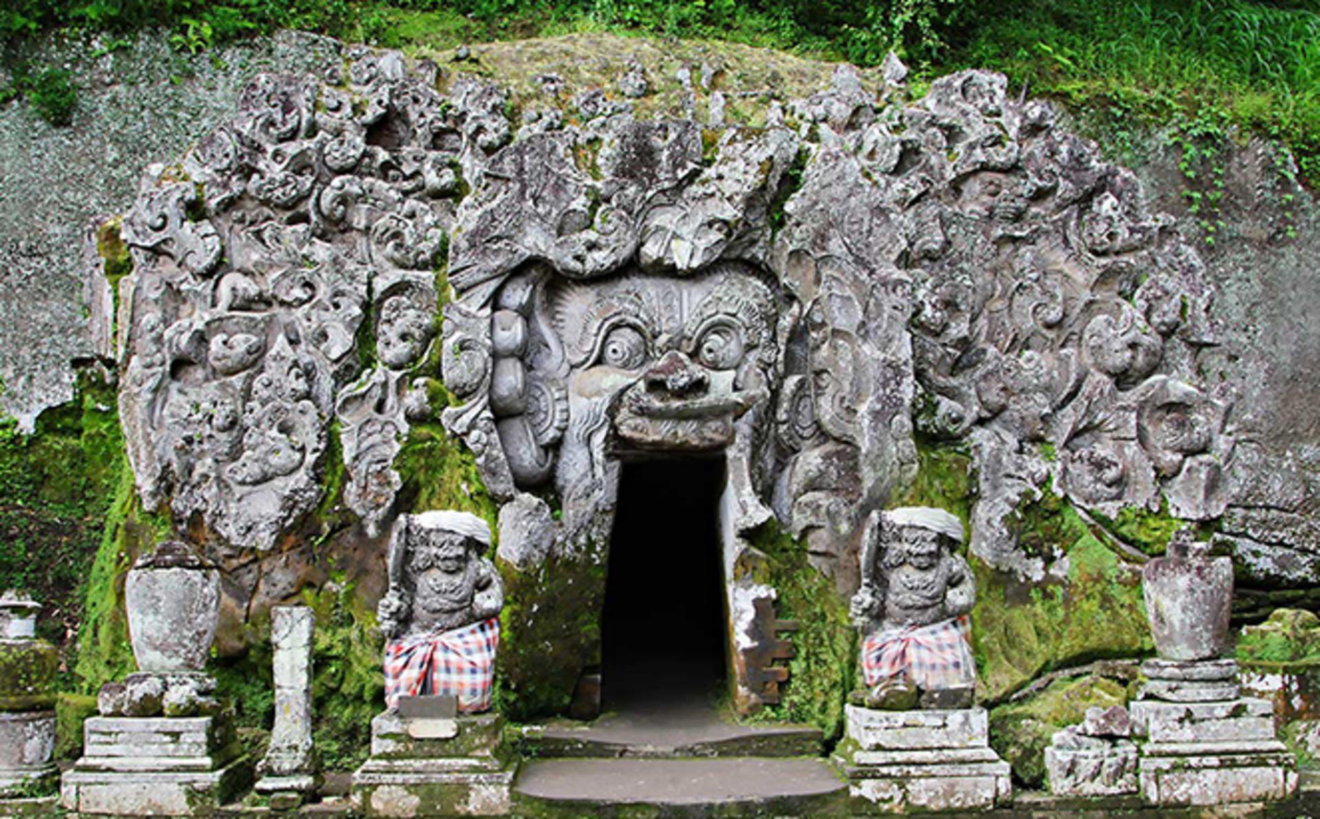 Древняя слоновья пещера