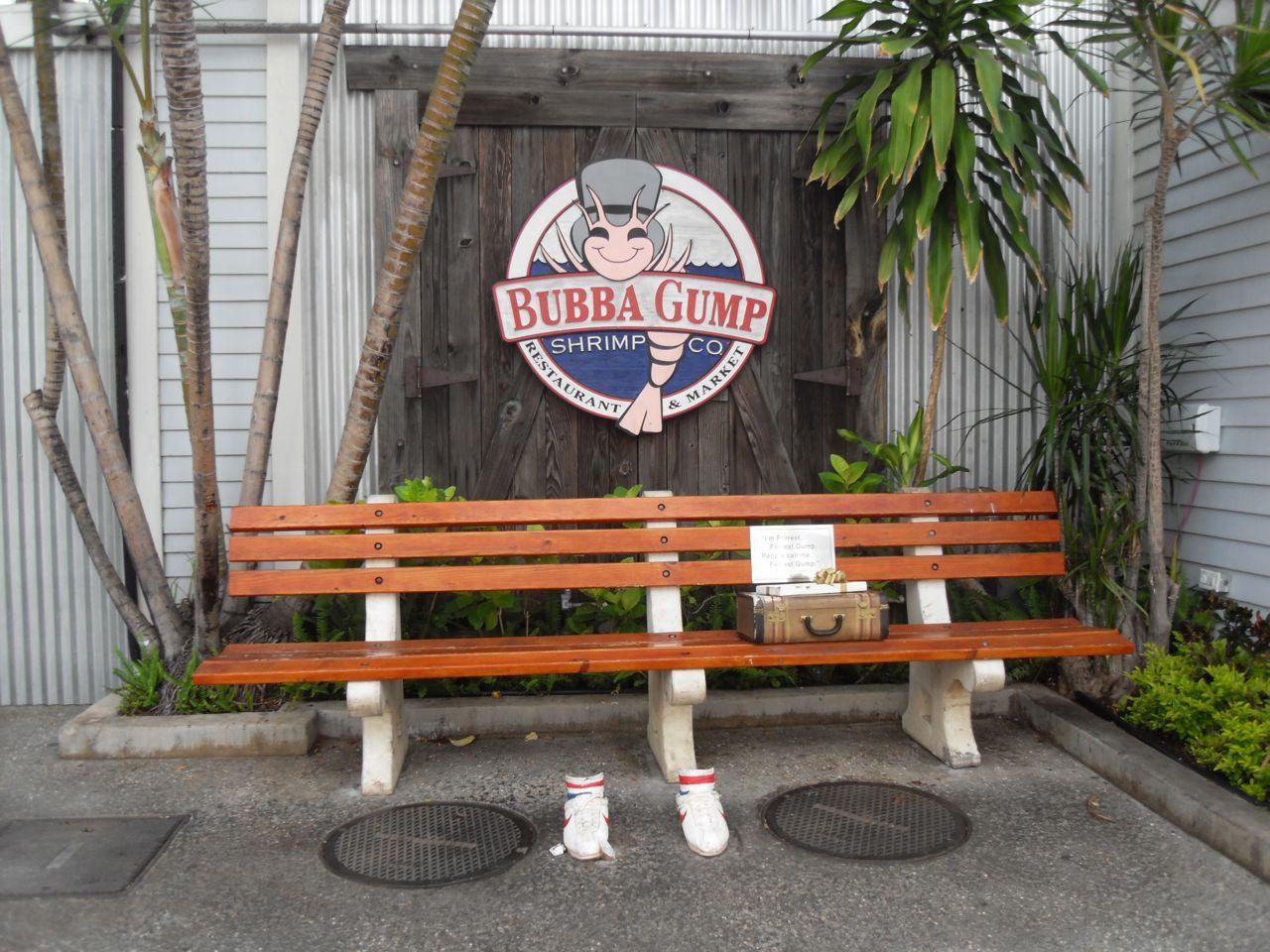 Скамейка в ресторане Бубба Гамп