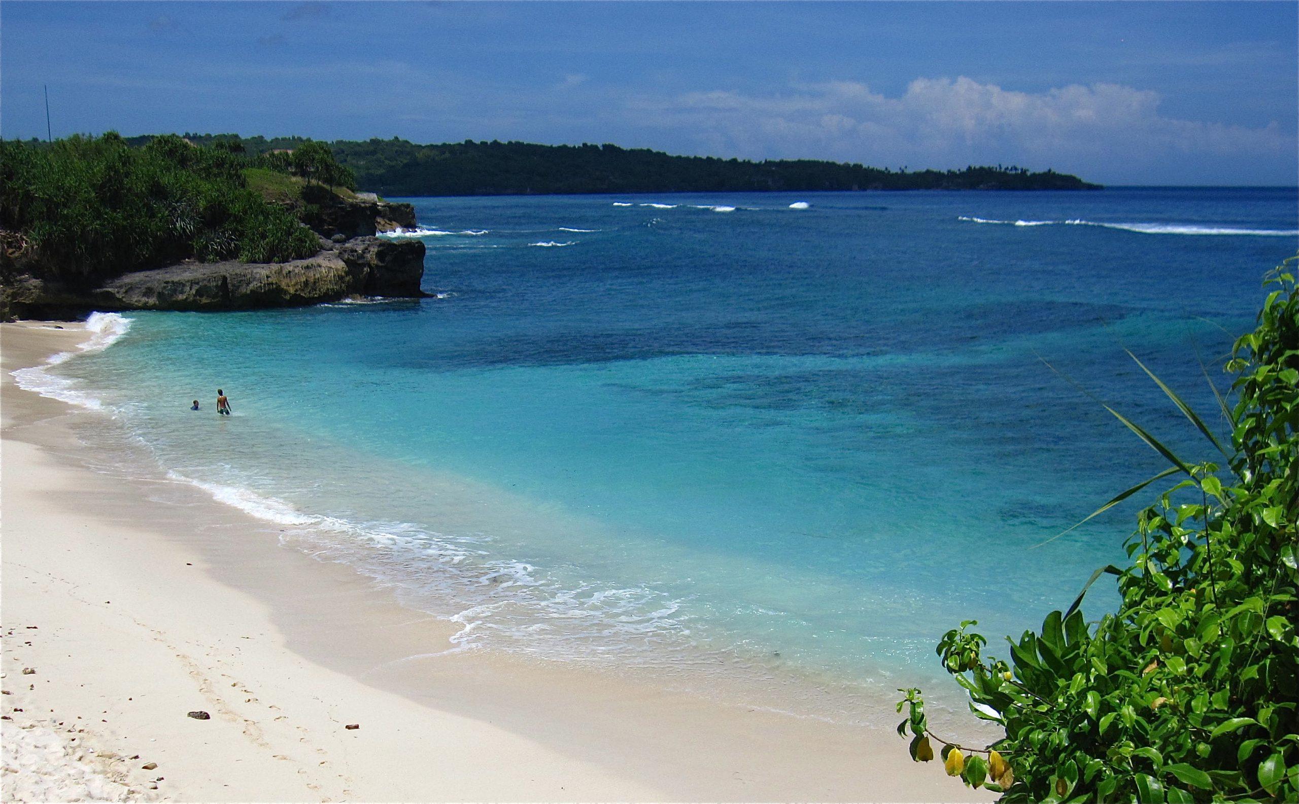 На фото остров Лембонган