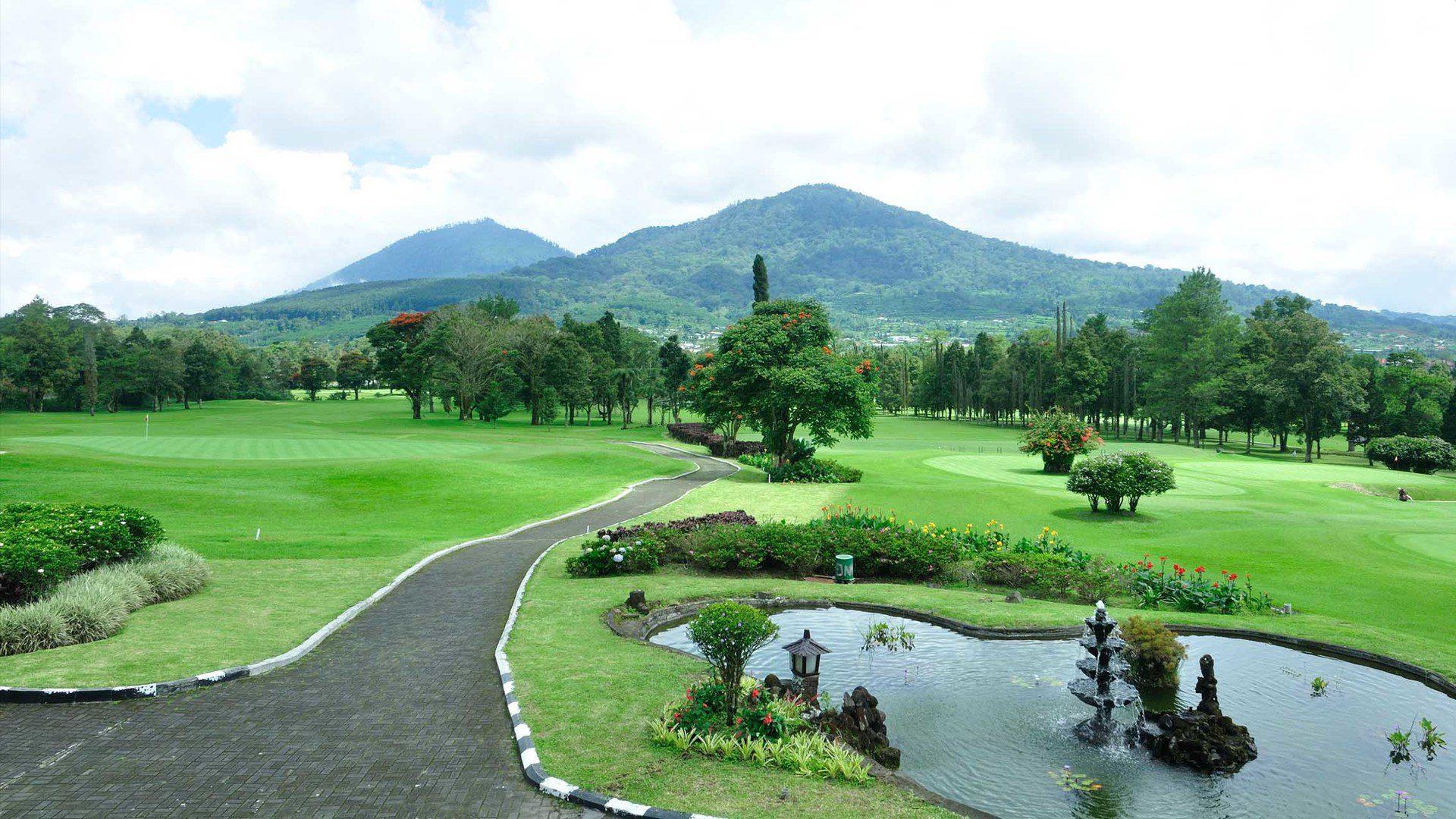 На фото гольф-поля Хандара