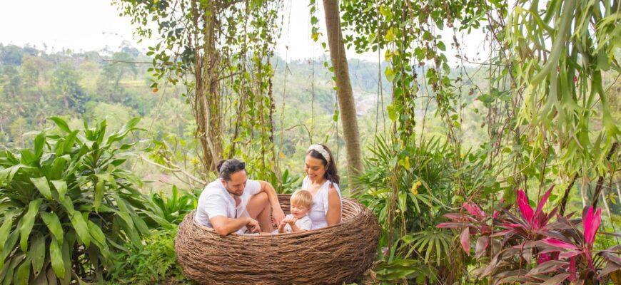 Фото семьи с детьми на Бали