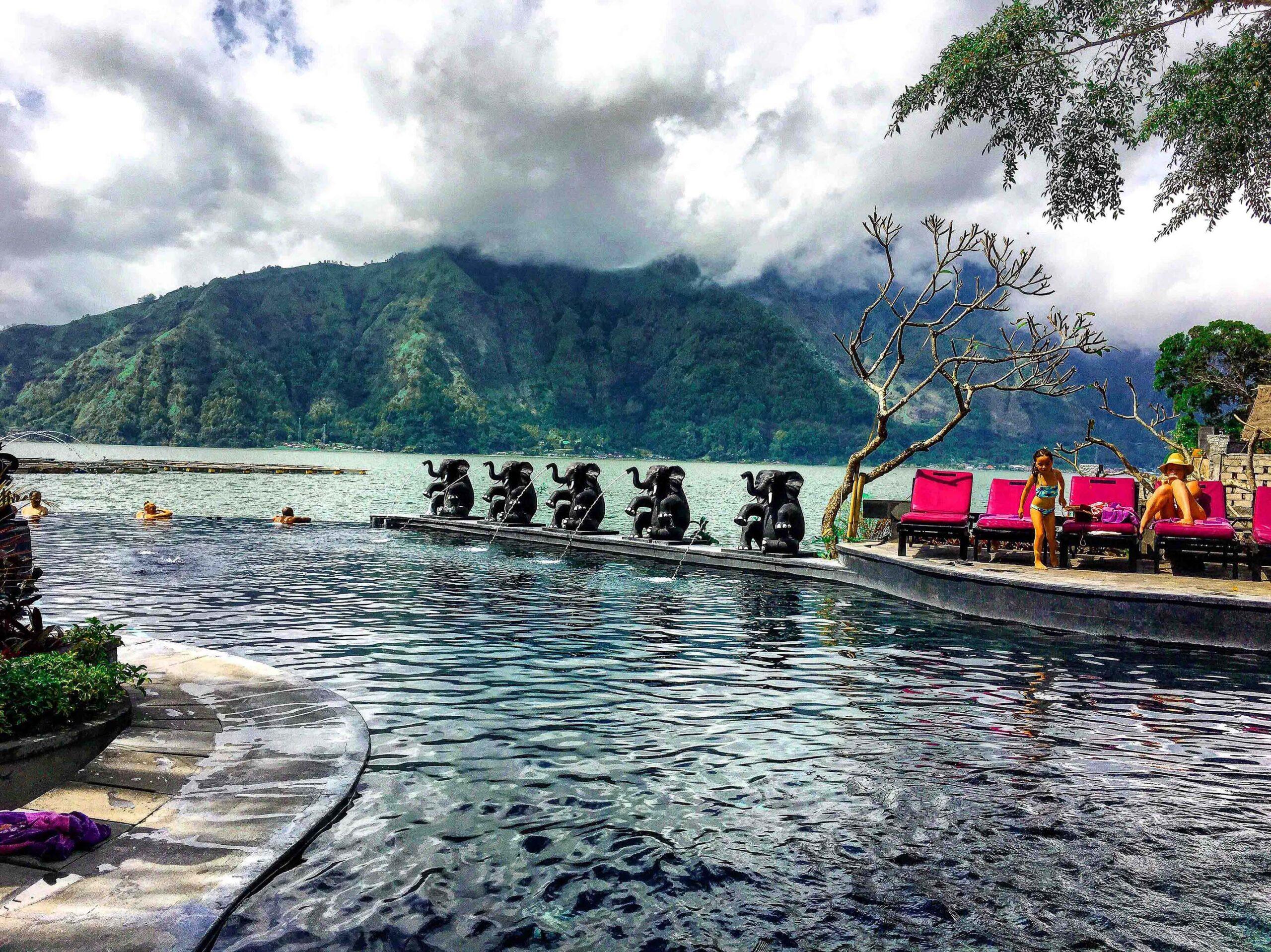 Фото источников возле озера и вулкана Батур