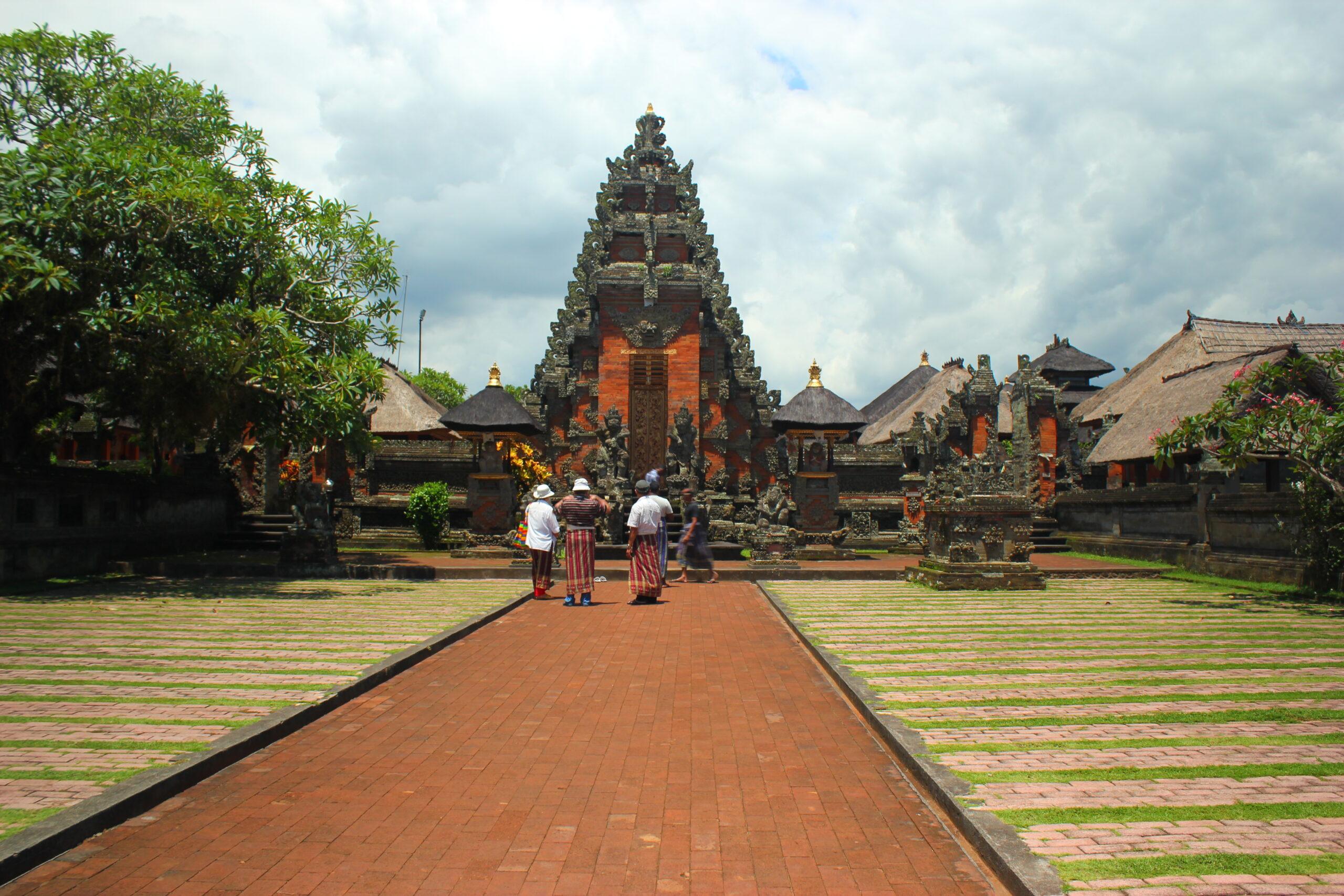 Фото балийской святыни