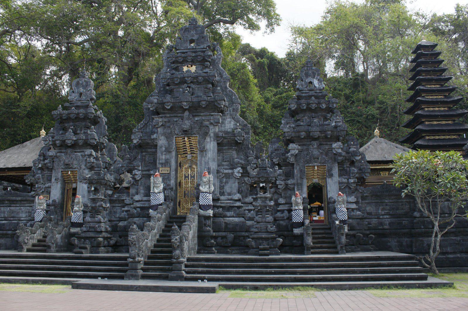 Фото храма Гоа Лава