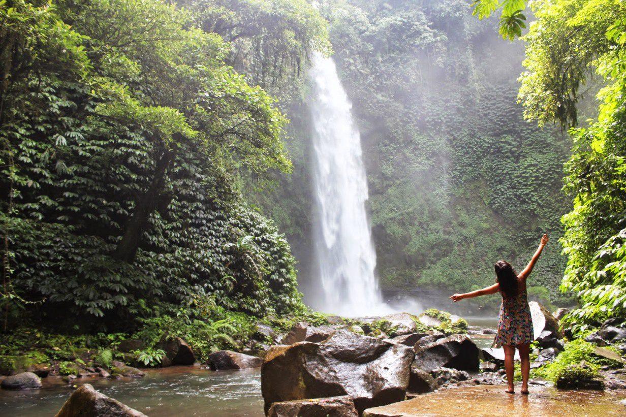 Фото водопада на Бали