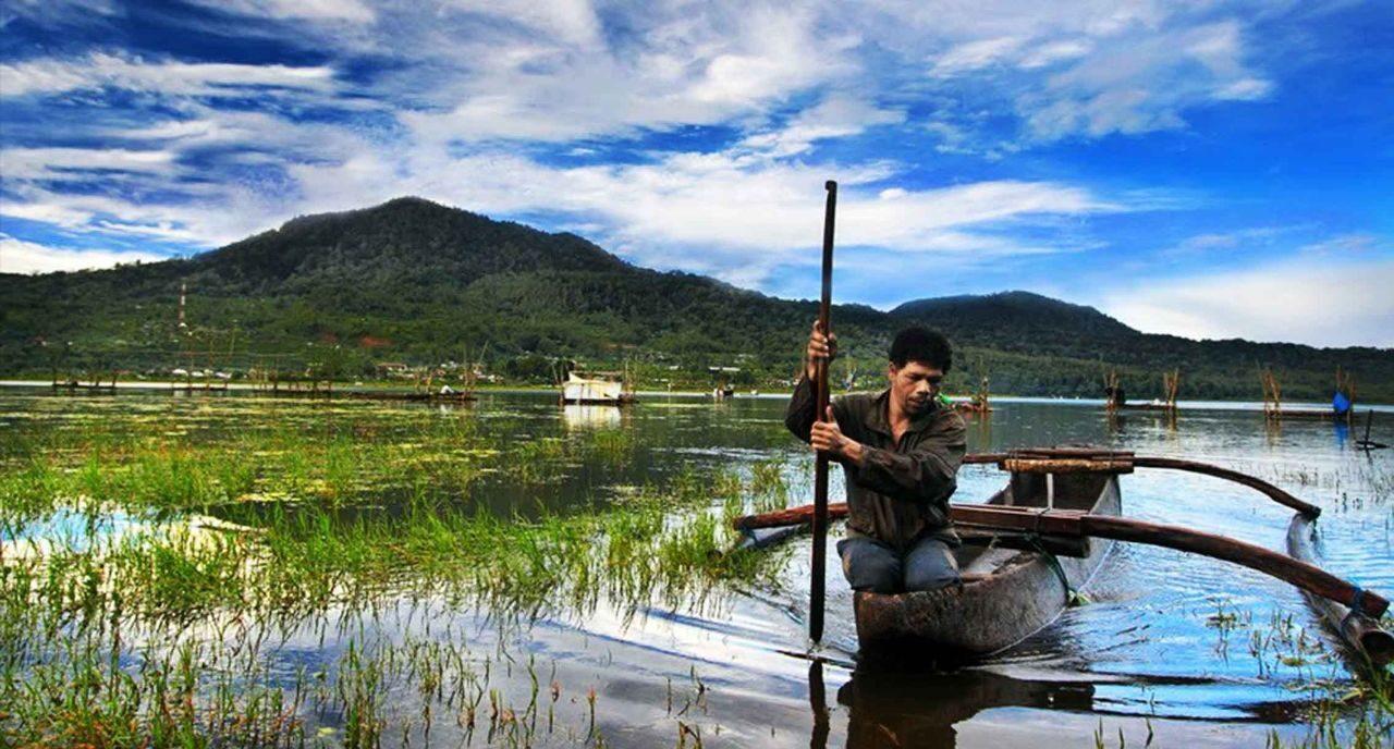 Фото озера Tamblingan на Бали